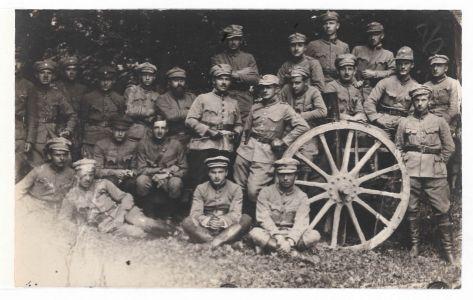 Старшини 3-го гарматного полку. Межибіж. Фотокартка. Серпень 1919 р.