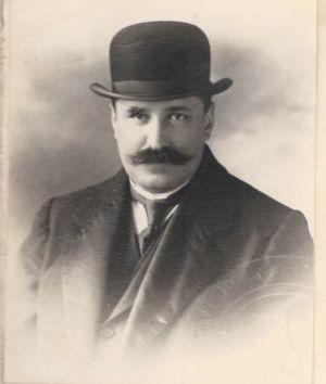 Фотокартки Д. Дорошенка, якому 27 березня 1917 р. виповнилося 35 років. 1918.